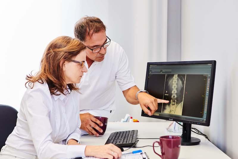 Dr. Melanie Kebernik, Fachärztin für Neurochirurgie und Udo Kebernik, Facharzt für Orthopädie
